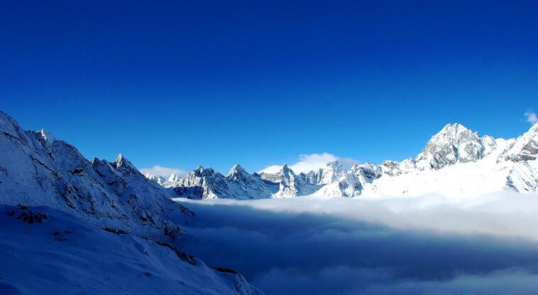 旅游风景区深处,海拔5430米